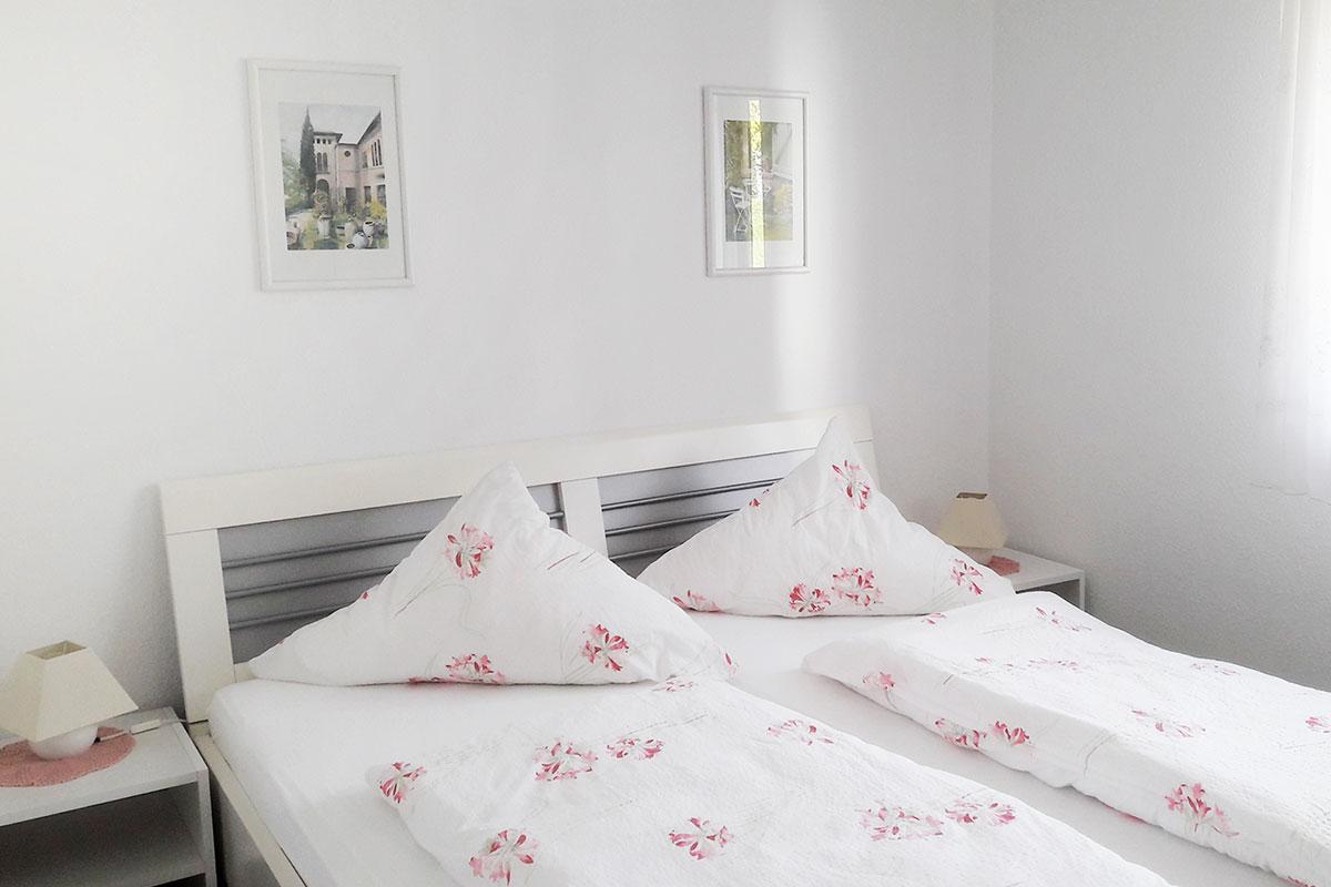schlafzimmer-ferienwohnung-daiger